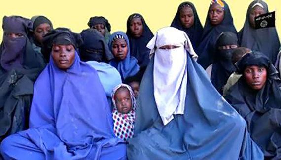 """AFP/""""Scanpix"""" nuotr./""""Boko Haram"""" pagrobtos mergaitės ir moterys"""