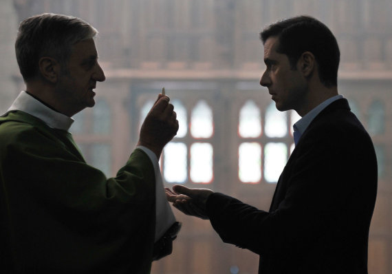 "Jean-Claude Moireau nuotr./Kadras iš filmo ""By the Grace of God"""
