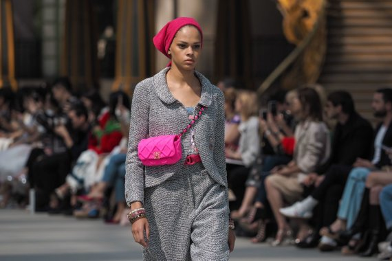 """Scanpix""/""Sipapress"" nuotr./""Chanel Cruise 2020"" kolekcijos modelis"