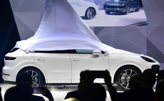 "AFP/""Scanpix"" nuotr./""Porsche Cayenne Turbo"""