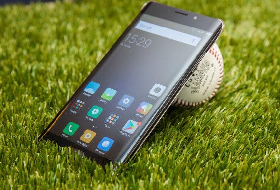 """Luko Balandžio / 15min nuotr./Išmanusis telefonas """"Xiaomi Mi Note 2"""""""