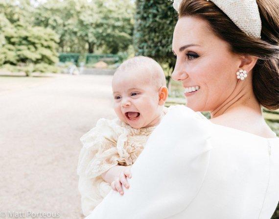 Matto Holyoako nuotr./Kembridžo hercogienė Catherine su sūnumi Louisu