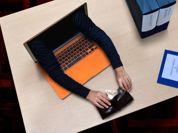 123RF.com nuotr./Kibernetinis nusikaltėlis gviešiasi jūsų pinigų