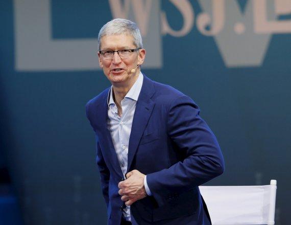 """Reuters""/""Scanpix"" nuotr./ ""Apple"" generalinis direktorius Timas Cookas"