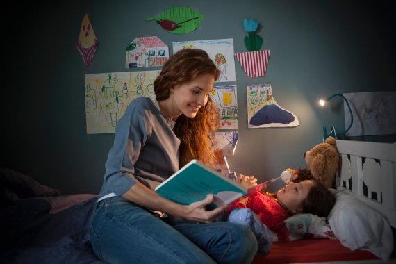 Vida Press nuotr./Mama skaito vaikui