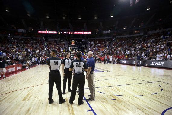 """AFP/""""Scanpix"""" nuotr./NBA vasaros lygos rungtynes sustabdė žemės drebėjimas"""