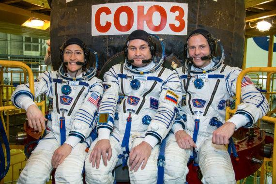 NASA iliustr./Nickas Hague, Christina Koch ir Alexey Ovchinin