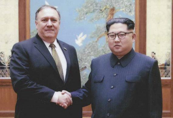"""AFP/""""Scanpix"""" nuotr./Slaptas Mike'o Pompeo susitikimas su Kim Jong Unu"""