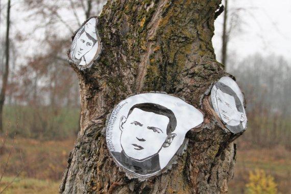 Alvydo Januševičiaus / 15min nuotr./Prie Žagarės partizanai atgimė medžiuose