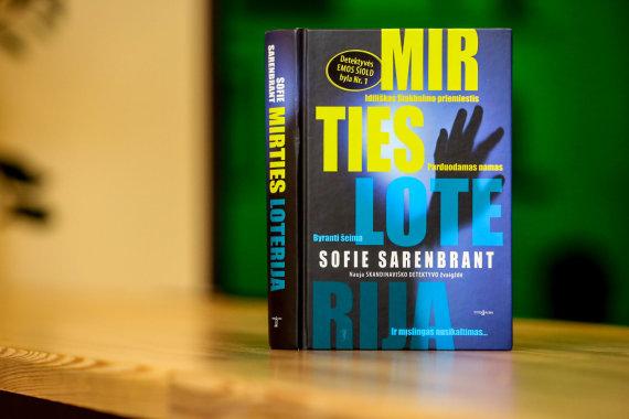 "Vidmanto Balkūno / 15min nuotr./Sofie Sarenbrant romanas ""Mirties loterija"""