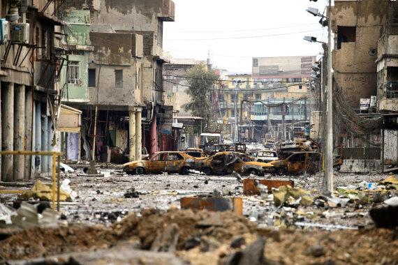 """""""Reuters""""/""""Scanpix"""" nuotr./Per IS okupaciją Mosulas virto sugriauta dykviete"""