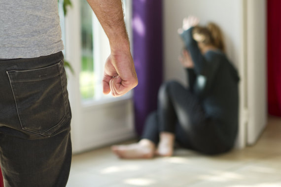 123rf.com nuotr./Smurtas šeimoje