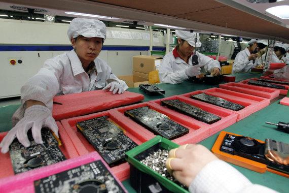 """Scanpix""/AP nuotr./""iPhone"" telefonus gaminantis fabrikas"
