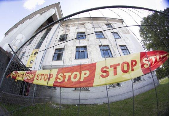 Irmanto Gelūno/15min.lt nuotr./Apleisti Vilniaus Profsąjungų rūmai.