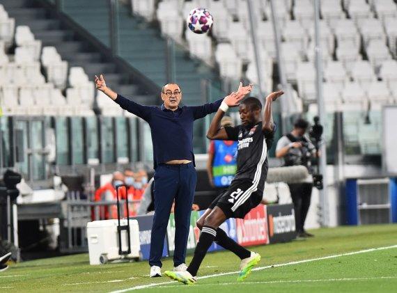 """""""Scanpix"""" nuotr./Maurizio Sarri treniruojamo Turino """"Juventus"""" žygį Čempionų lygoje sustabdė Liono """"Olympique""""."""