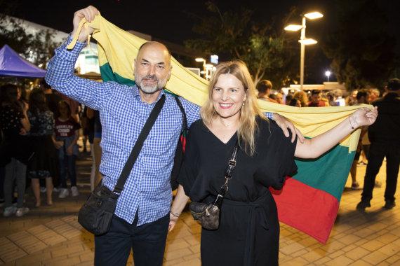 """Luko Balandžio / 15min nuotr./Ryški fanų minia plūdo į antrąjį """"Eurovizijos"""" pusfinalį"""