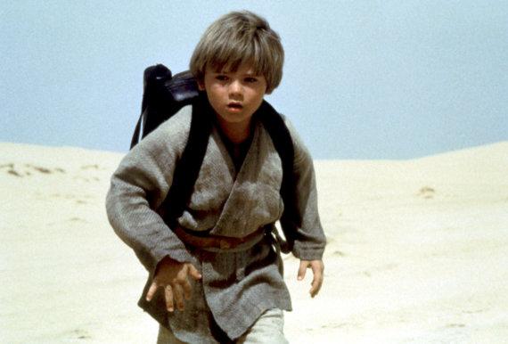 """Vida Press nuotr./Jake'as Lloydas filme """"Žvaigždžių karai: epizodas I. Pavojaus šešėlis"""" (1999 m.)"""