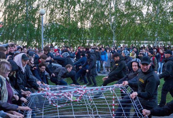 """""""Scanpix""""/ITAR-TASS nuotr./Jekaterinburge per protestą prieš cerkvės statybas prasiveržė smurtas"""