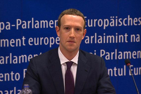 "AFP/""Scanpix"" nuotr./Markas Zuckerbergas Europos Parlamente"