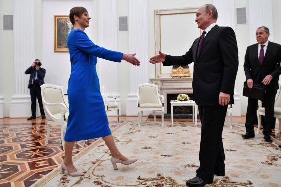 """AFP/""""Scanpix"""" nuotr./K.Kaljulaid ir V.Putino susitikimas Maskvoje"""