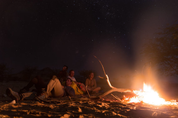 """""""Špikio"""" nuotr./Kelionės dalyviai mėgaujasi nepažintu pietų pusrutulio naktiniu dangumi"""