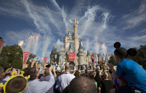 """123rf.com/""""Disney"""" parkas"""