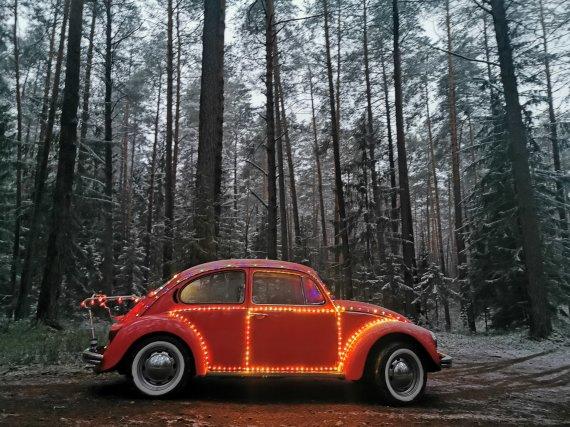 Asmeninio albumo nuotr./Viačeslavo Mickevičiaus kalėdinis automobilis
