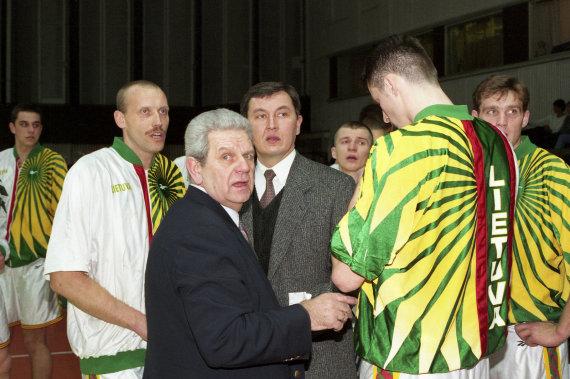 Alfredo Pliadžio nuotr./Jonas Kazlauskas, Vladas Garastas ir Rimas Kurtinaitis 1996 metas