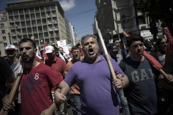 """""""Scanpix"""" nuotr./Graikija streikuoja prieš finansinės pagalbos sąlygose numatytas reformas"""