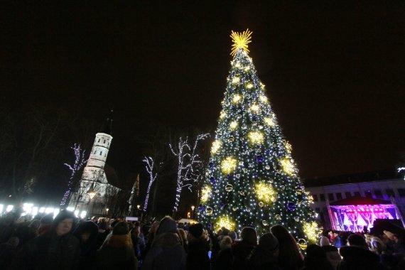 Alvydo Januševičiaus / 15min nuotr./Kalėdų eglės įžiebimas Šiauliuose