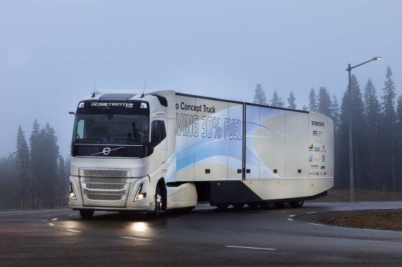 """Hibridinis """"Volvo trucks"""" sunkvežimis"""