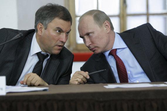 """""""Reuters""""/""""Scanpix"""" nuotr./Viačeslavas Volodinas ir Vladimiras Putinas"""