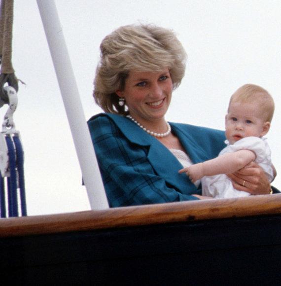 Vida Press nuotr./Princesė Diana ir princas Harry
