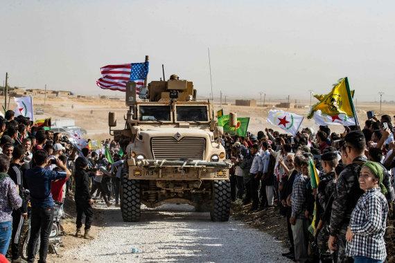 """AFP/""""Scanpix"""" nuotr./JAV kariai per Sirijos kurdų protestą"""