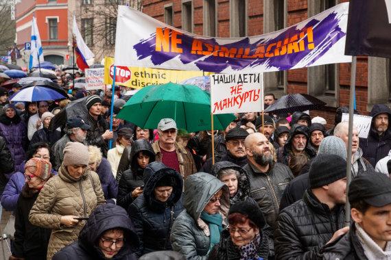 """""""Scanpix"""" nuotr./Rusakalbių protestas Rygoje"""
