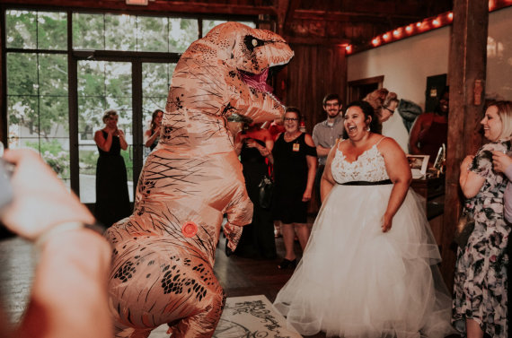 """Scanpix"" nuotr./Courtney ir Billy McMillionų vestuvės ""Juros periodo parko"" tema"