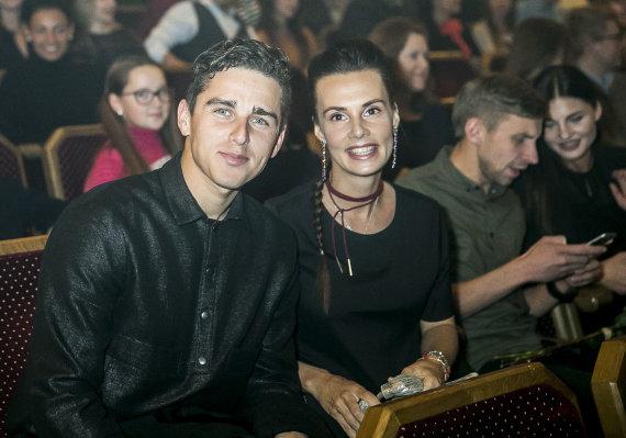 Viganto Ovadnevo/Žmonės.lt nuotr./Donatas Montvydas su žmona Veronika