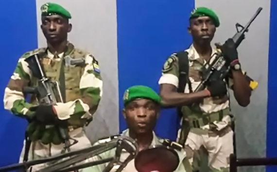 """AFP/""""Scanpix"""" nuotr./Gabono kariuomenė"""