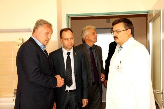 Utenos miesto savivaldybės nuotr./Dalius Drunga (kairėje), Aurelijus Veryga ir Sergejus naumkinas (dešinėje)