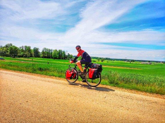 Asmeninio archyvo nuotr./Šiauliečio kelionė aplink pasaulį dviračiu