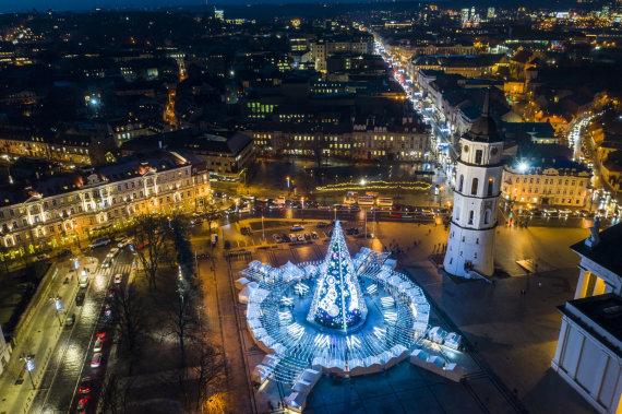 Luko Balandžio / 15min nuotr./Kalėdų eglė Vilniuje iš paukščio skrydžio