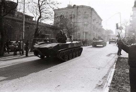 Wikimedia Commons nuotr./SSRS kariai Azerbaidžane 1990 m.
