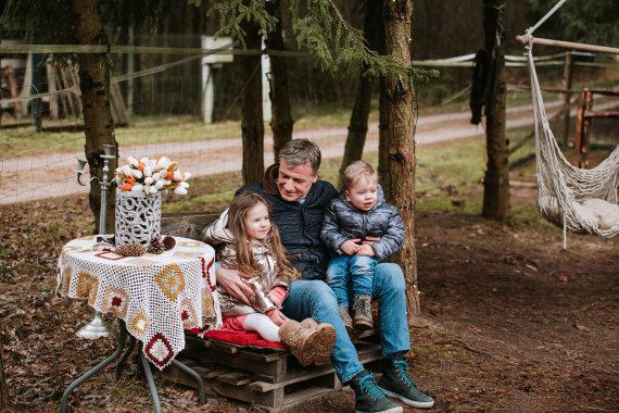 Charizma photography nuotr./Kadras iš Inetos Puzaraitės-Žvagulienės šeimos fotosesijos