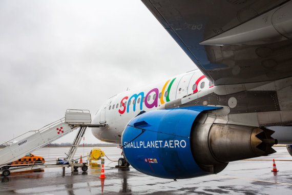"""Luko Balandžio / 15min nuotr./""""Small Planet Airlines"""" lėktuvas"""