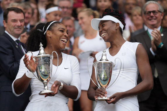 """Scanpix"" nuotr./Serena Williams ir Venus Williams"