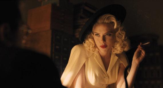"""Kadras iš filmo/Scarlett Johansson filme """"Šlovė Cezariui!"""""""