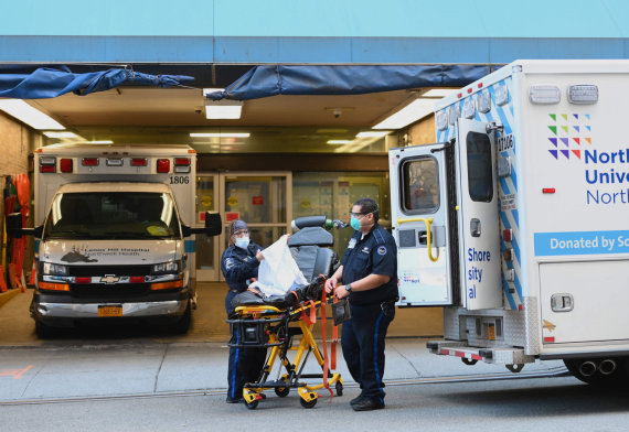 "AFP/""Scanpix"" nuotr./Niujorko paramedikai"