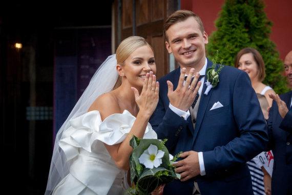 Vidmanto Balkūno / 15min nuotr./Ryčio Žvagulio ir Lauros Navikaitės vestuvių akimirka