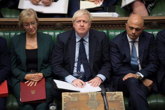 """""""Reuters""""/""""Scanpix"""" nuotr./Borisas Johnsonas įstumtas į kampą"""