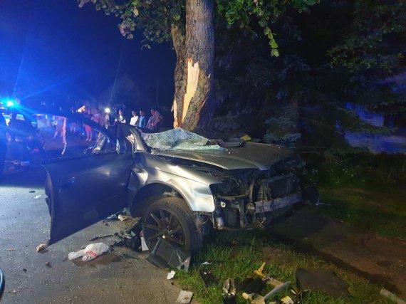 Valentino Tamulio nuotr./Tragiška avarija Kėdainių rajone, kurios metu žuvo du jauni vyrai